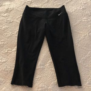 Nike Dri fit crop leggings